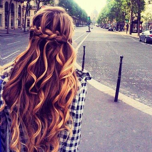 curly-fashion-girl-hair-Favim.com-2240271